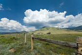 Alpine Meadow Enchanted Circle New Mexico Cloud Hill Cattle Fenc — Stock Photo