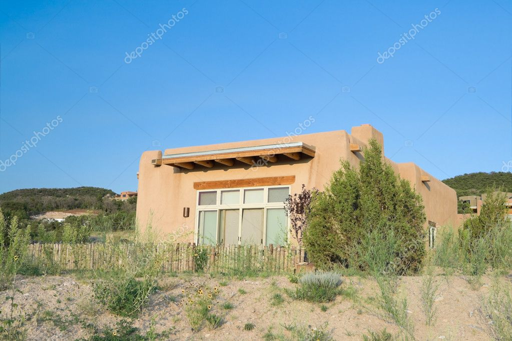 Modern Spanish Pueblo Revival Architecture single family house house, Suburban Santa Fe  New Mexico — Stock Photo #7894869