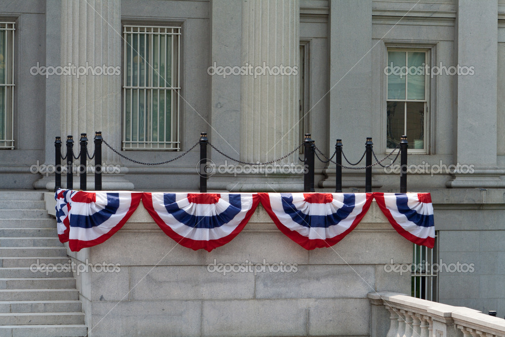 Government building in Washington DC decorated for the 4th of July — Stock Photo #7895674