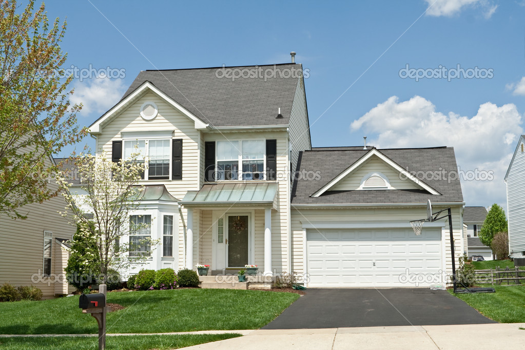 Front view vinyl siding single family small house suburban for Front look of small house