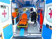 Yeni ambulans — Stok fotoğraf