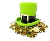 Saint patrick's hat on pile of golden coin — Stock Photo