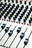 Mezclador de sonido. enfoque selectivo — Foto de Stock