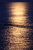 月の水の上 — ストック写真