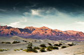 Death Valley Sand Dune and Mountains — Stock Photo