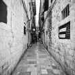 Narrow street in Dubrovnik, Croatia — Stock Photo