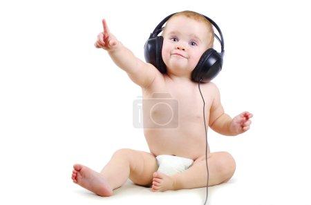 婴儿与耳机