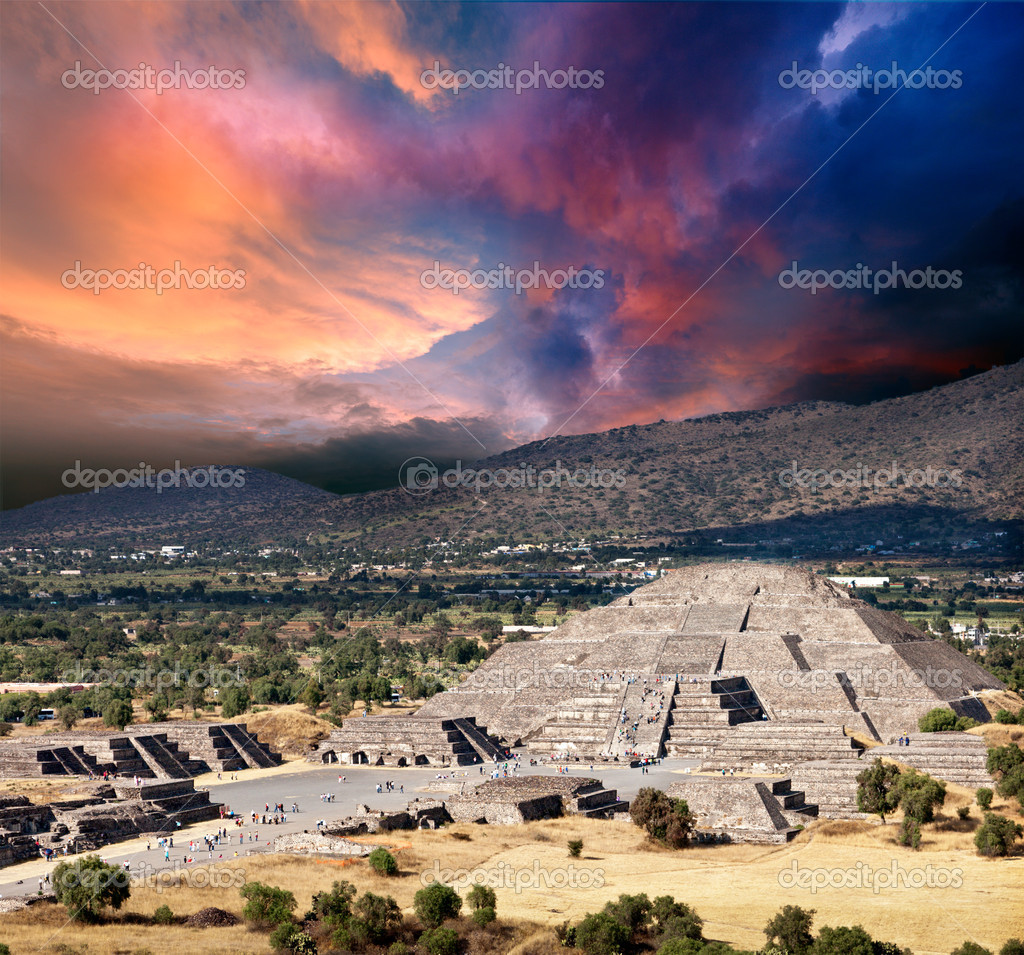 Pyramid of the Moon. Teotihuacan, Mexico