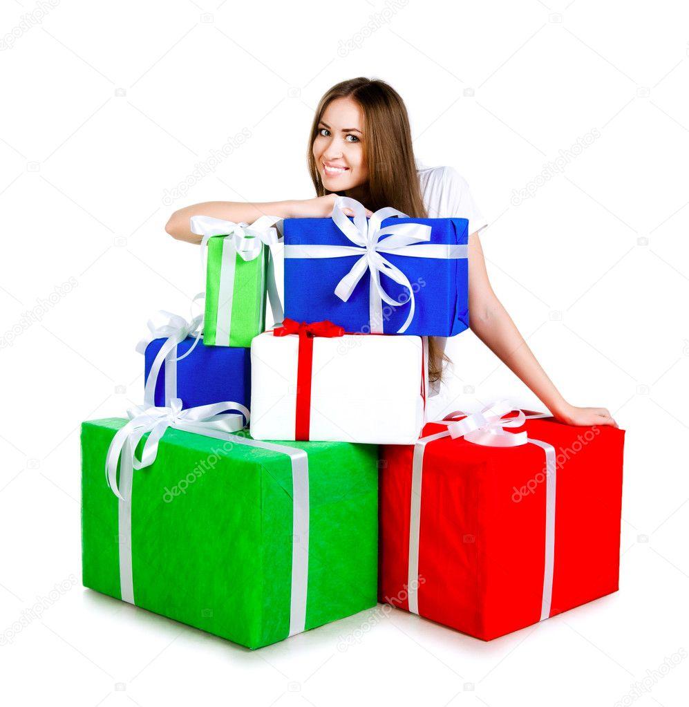 130250733dfb Mujer joven y bonita con regalos — Foto de stock © tan4ikk #7243931