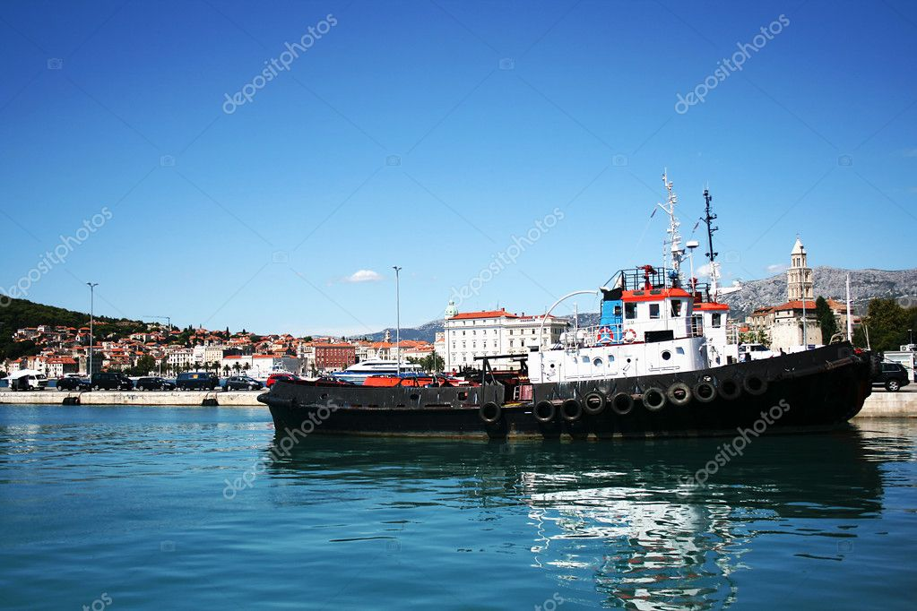 Working tug boat in port