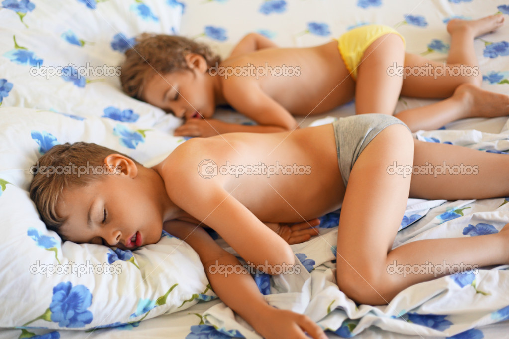 Favorite lesbian pics of nude boys fucking slept girls