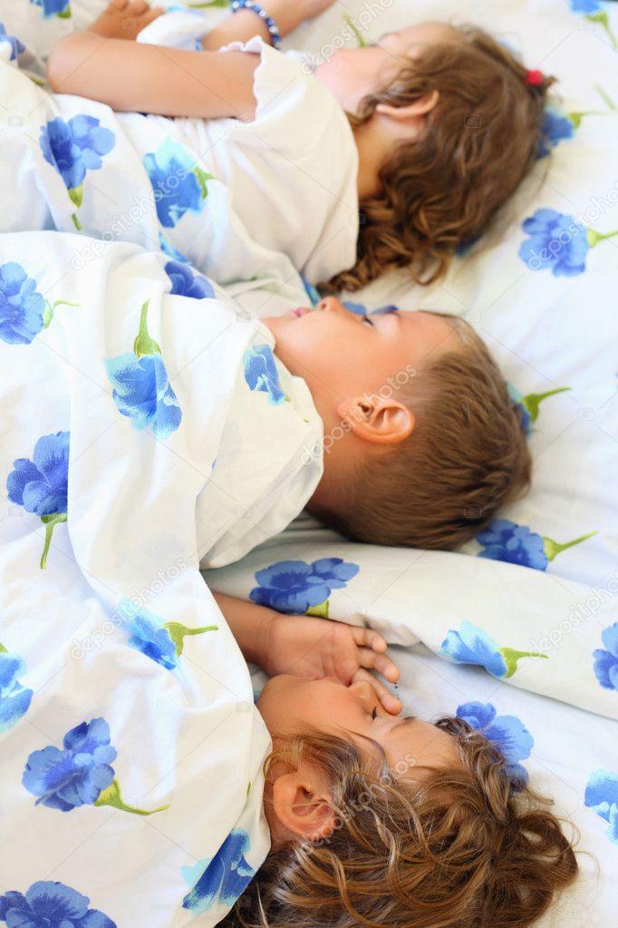 К чему снятся дети мальчик и девочка во сне по соннику?