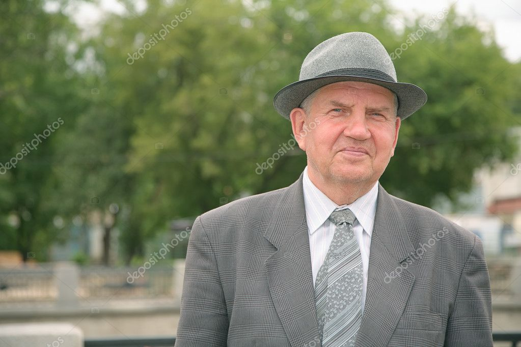 Elderly man in the hat 2