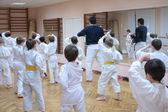 Fényképek karate fiúk képzés sportcsarnok