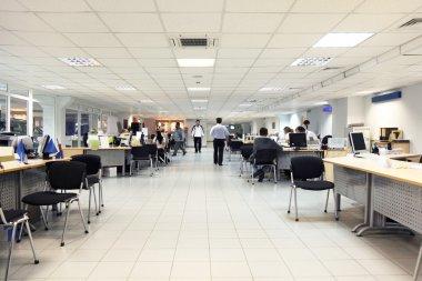 ofis beyaz zemin ve Ankastre, bilgisayarlarda çalışma