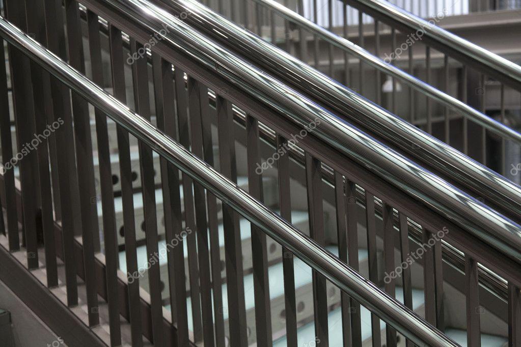 Moderne metalen trap u2014 stockfoto © portokalis #7505448