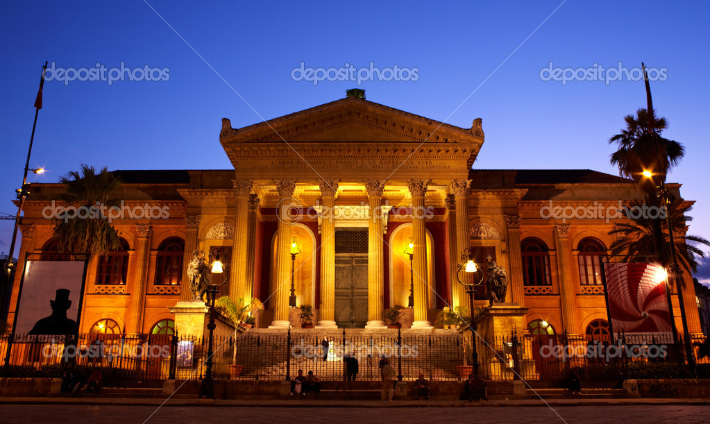 Teatro Massimo, Opernhaus in palermo — Stockfoto © bepsimage #7325866