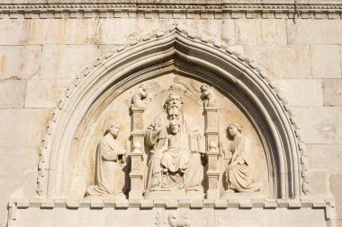 Bas-relief sculptures of the Trinity, Muggia Cathedral