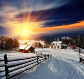 zimní krajina ve vesnici.