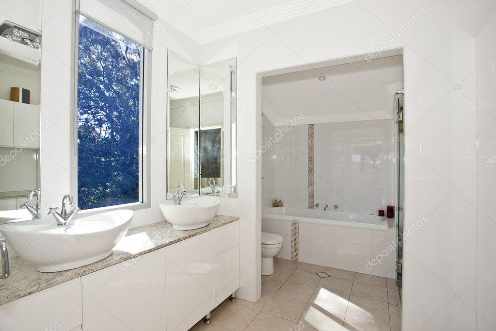 cuarto de baño moderno con estilo — Fotos de Stock © cmeder #7195829