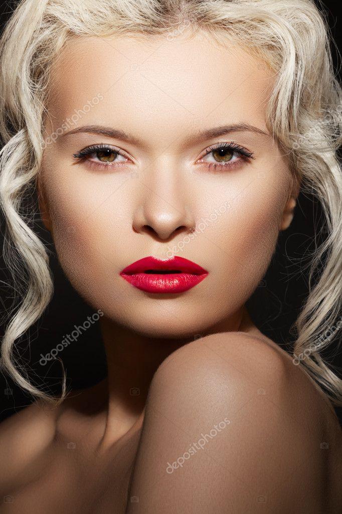 Шикарное сексуальное лицо женщины