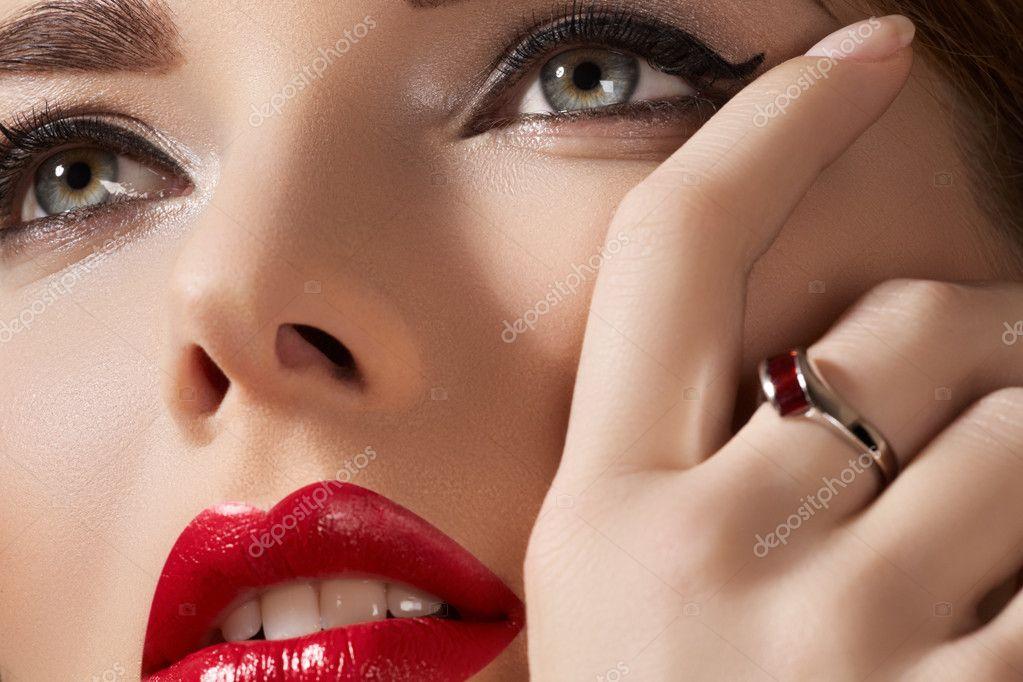 Wellness, cosmetics and chic retro style. Close-up portrait