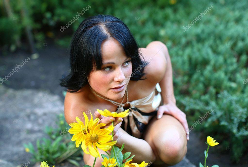 Νεαρό χοντρό μαύρο μουνί