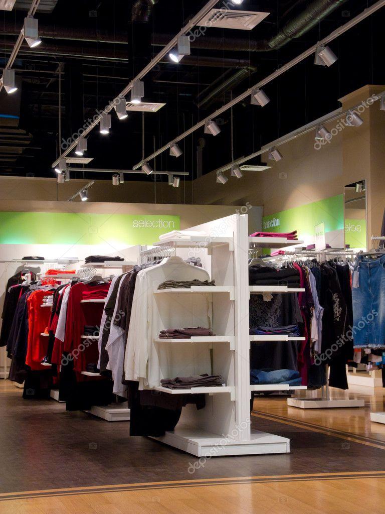 interieur van kledingwinkel — Stockfoto © toxawww #7960779