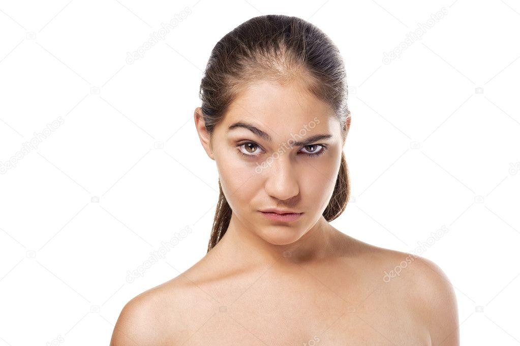 Поднятые брови – это сигнал приветствия, который используется с давних времен.