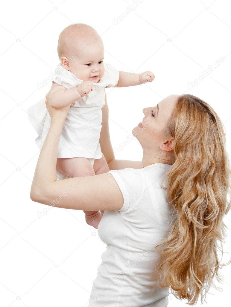 年轻的母亲3图片图库_快乐年轻的母亲和婴儿在她的手中 — 图库照片©Andrey_Kuzmin#7341804