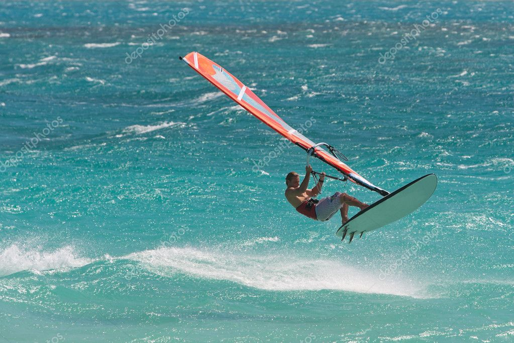 Windsurf in the waves