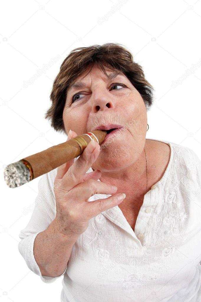 недорогой толстый мужик с сигаретой фото рынке можно встретить