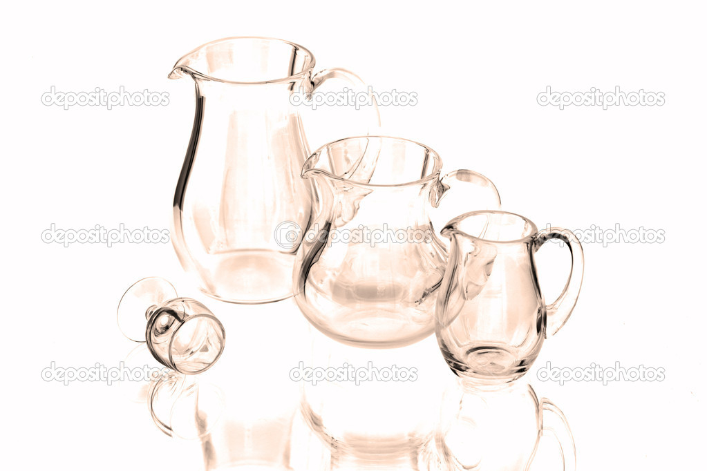 um copo de vinho e três jarros vazios stock photo jivanshreela