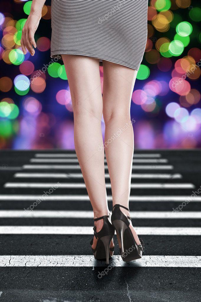 Длинные ноги м сексуальность