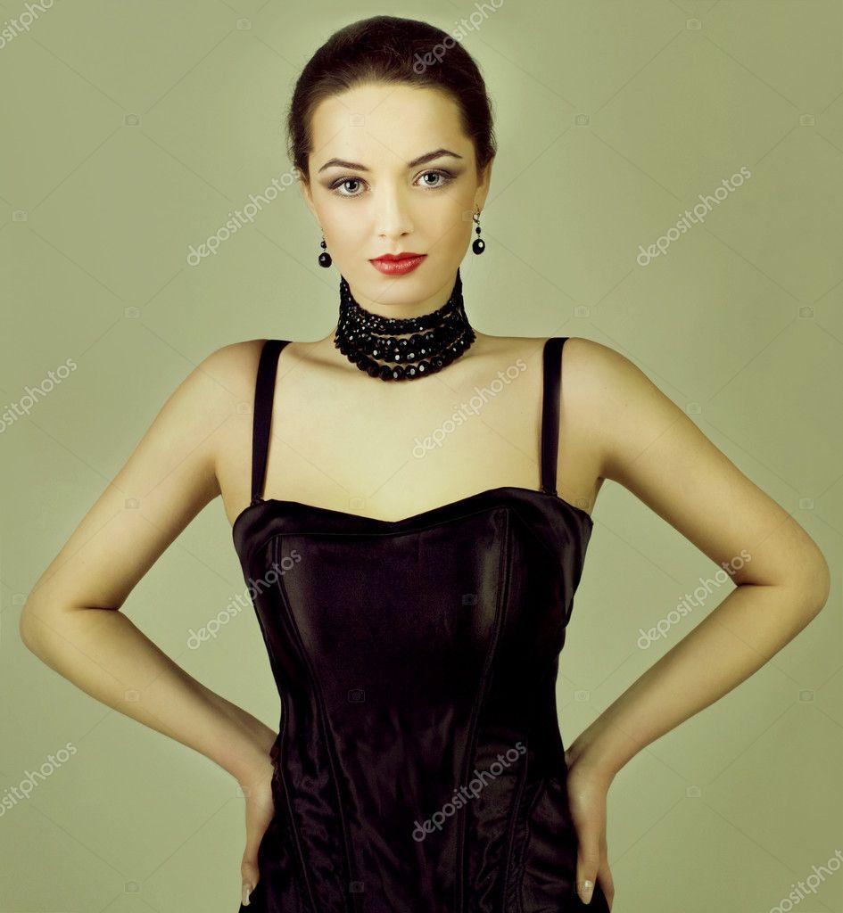 Mode-Foto der jungen Frau — Stockfoto © Byelikova  7597567 12f34a0198