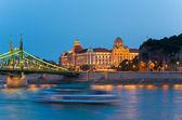 Fényképek Budapest éjszaka megtekintése