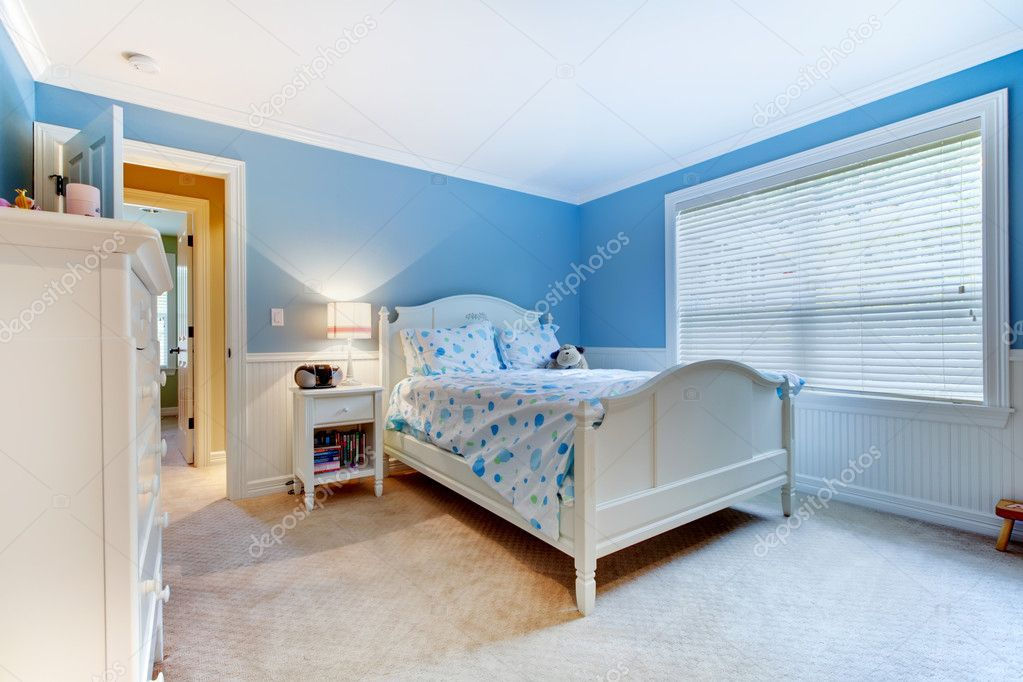 Interno di camera da letto ragazzi ragazze blu. — Foto Stock ...