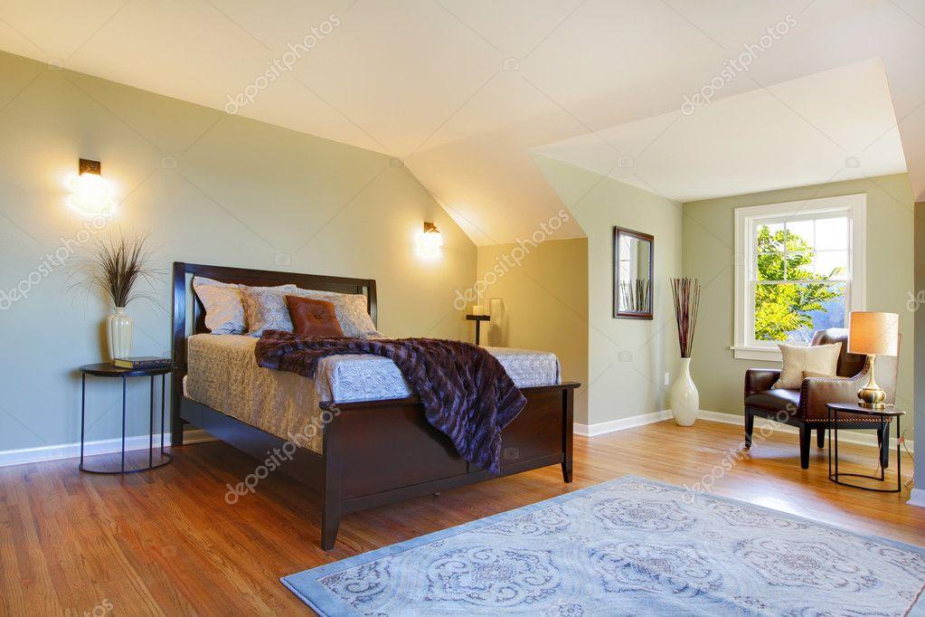 Frisches Grün, Großes Schlafzimmer Mit Modernen Braun Bett U2014 Stockfoto