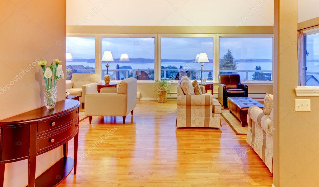 Wohnzimmer Mit Hellen Warmen Abend Und Beige Wände U2014 Stockfoto