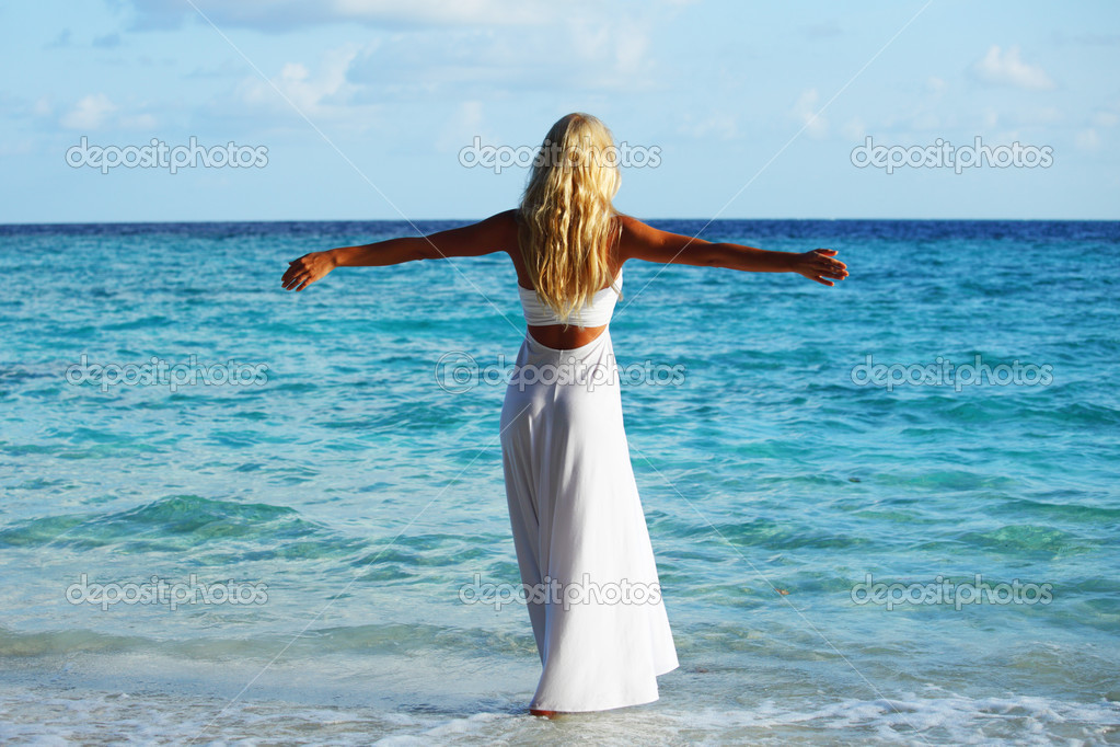 фото женщин на берегу моря смотри порно 21