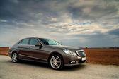 čelní pohled luxusní auto