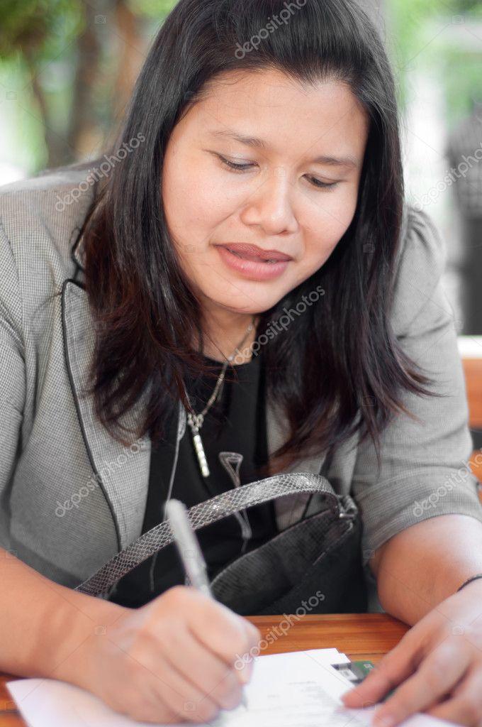 attraktive thailändische Frauen