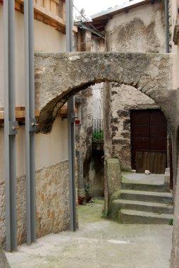 Old stone arch - Assergi - Abruzzo - Italy