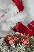 Fotografie Vánoční motivy s míčky a řetězy