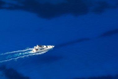 Sailing yacht