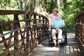 Fotografie Behinderte Senioren im Park