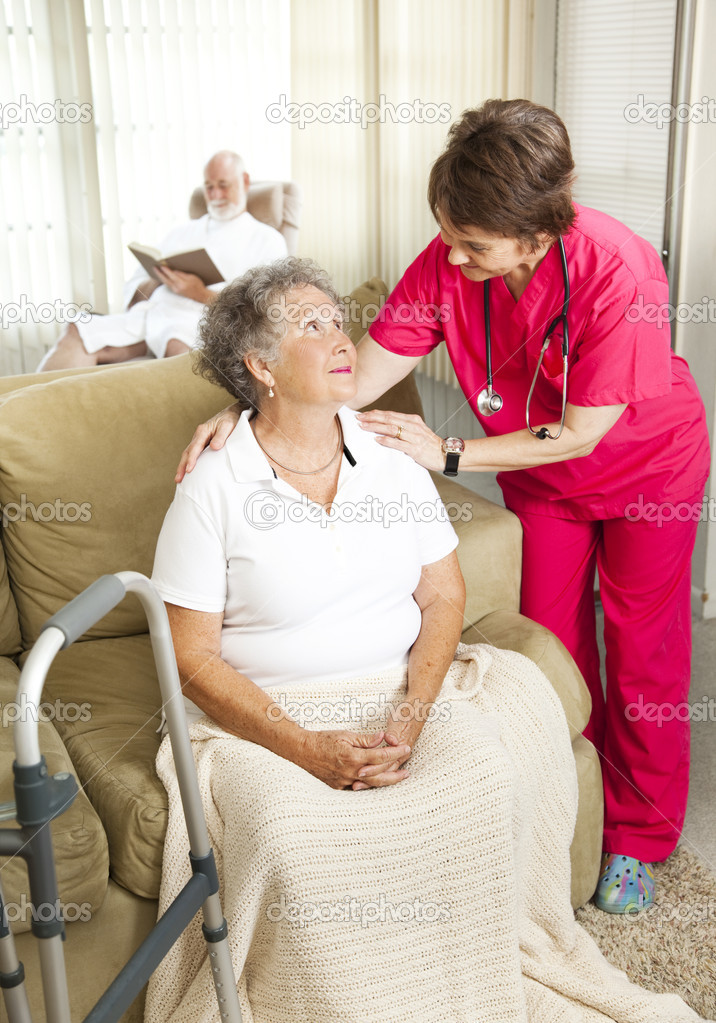 Mayores cuidados en el hogar de ancianos — Foto de Stock