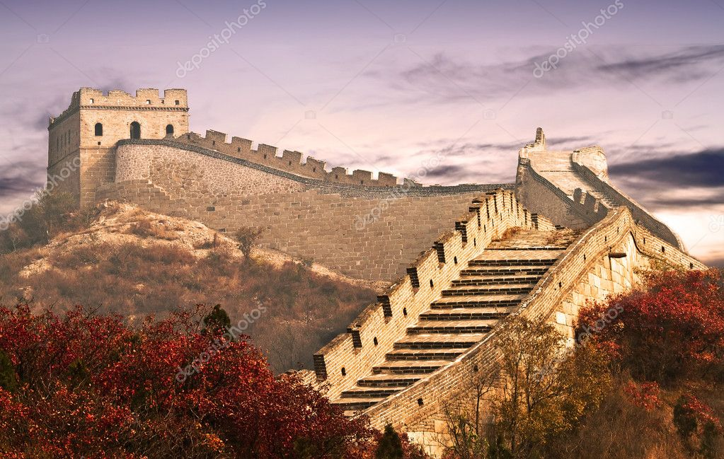Photo of the Great Wall in the clouds