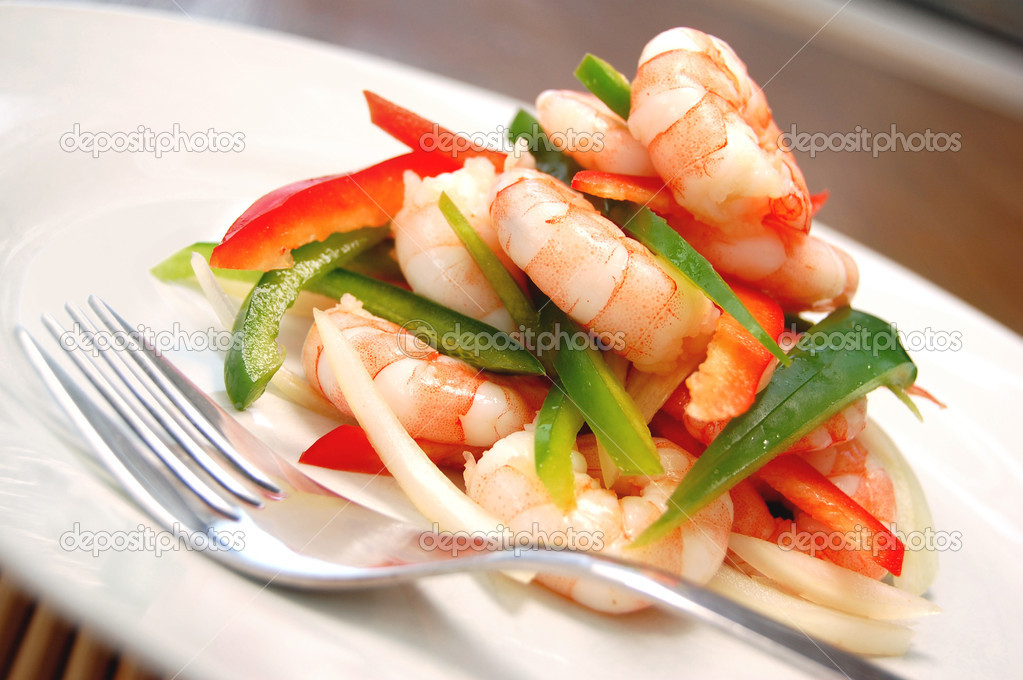 Prawn salad with peppers