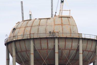 Building Water Storage Tanks